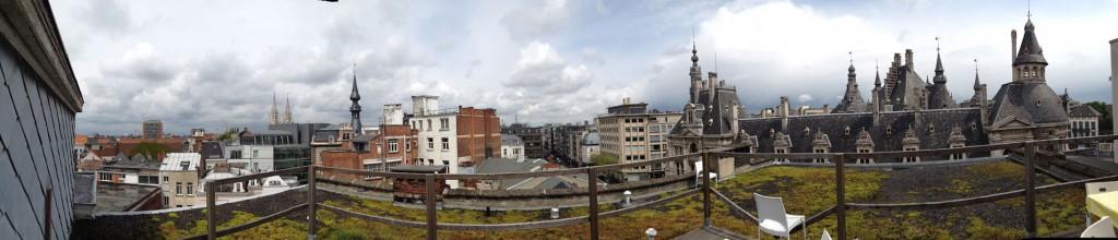 A-living-panorama